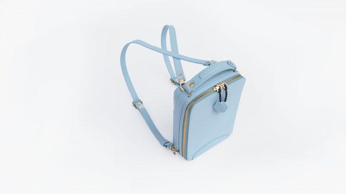 Mẫu Back Pack xanh lam trong Clau Collection 2021 tại Jaxtone Vietnam